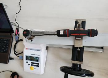 英国诺霸Norbar公司的扭力扳手采用一诺电子Motive的扭力测试仪检测